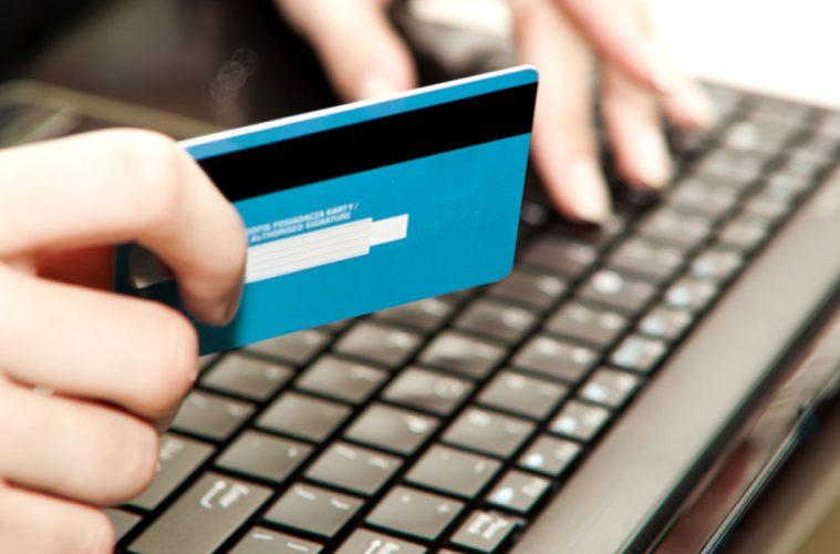 o-credit-card-facebook