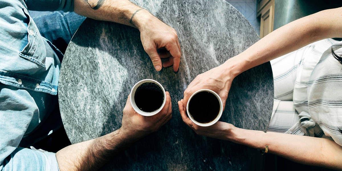 Falando conversa cafe