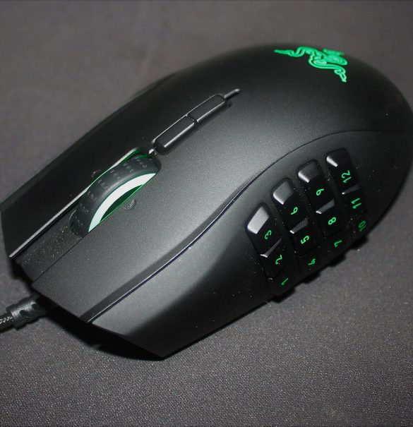 Razer-Naga-Chroma-review